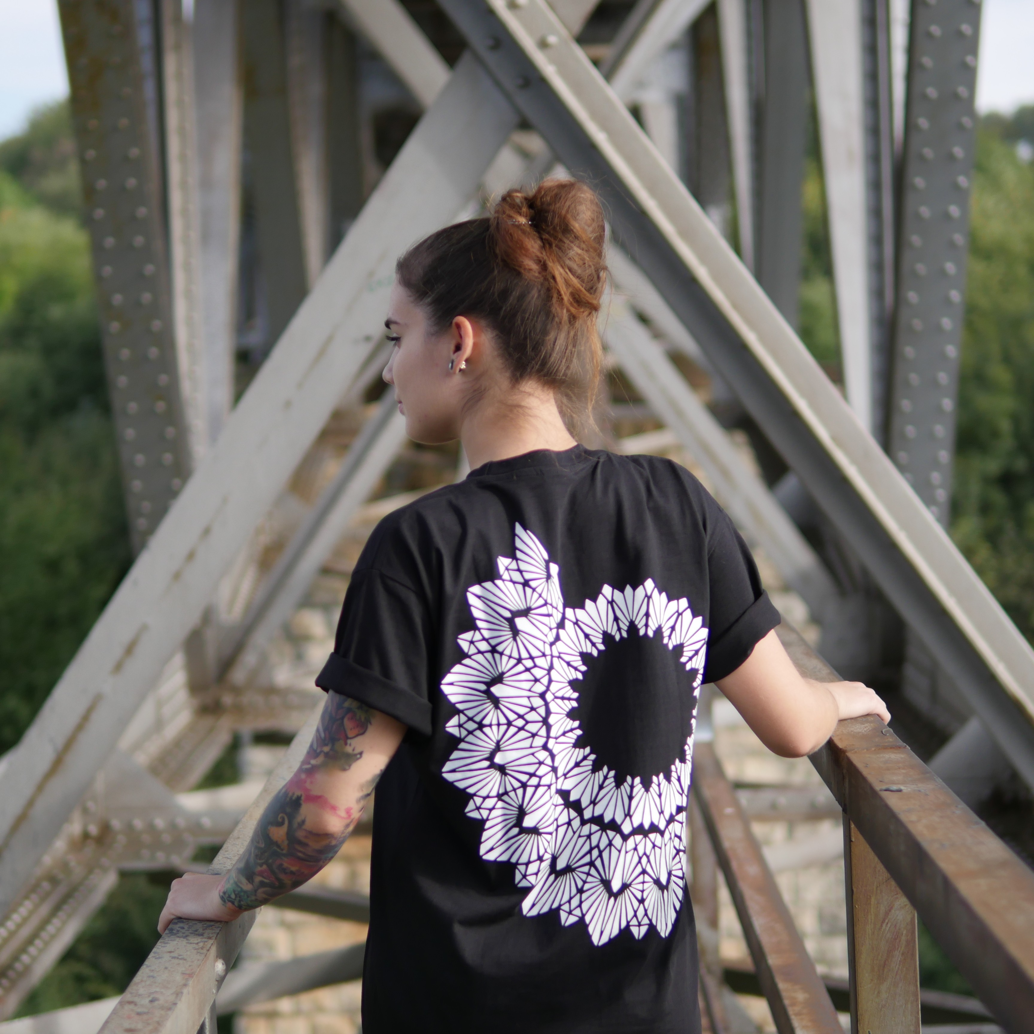 DEADBLOOM BY ADINA T-SHIRT BLACK